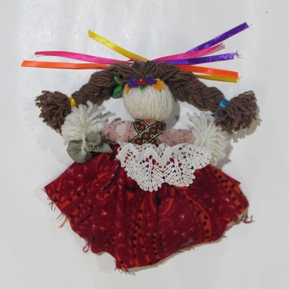 """Речі. """"Лялька-мотанка - оберіг для воїна АТО, зроблений дітьми Коломийської школи №1"""""""