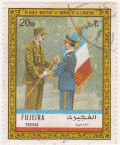 """Марка поштова гашена. """"De Gaulle remettant le drapeau de la Libération""""."""