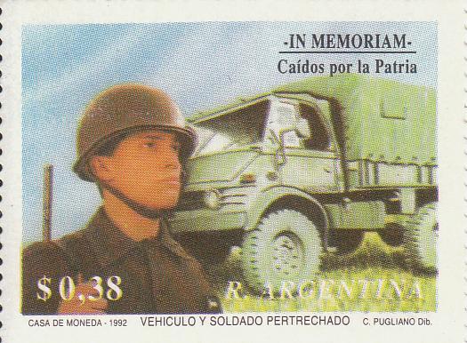 """Марка поштова негашена. """"Vehiculo y soldado pertrechado. In memoriam.Caidos por la Patria. R. Argentina"""""""