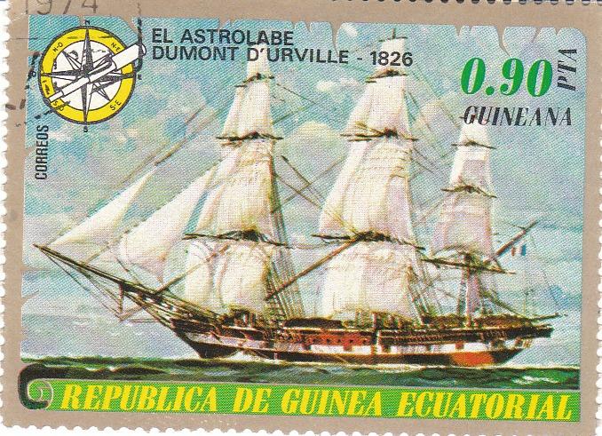 """Марка поштова гашена. """"El Astrolabе Dumont d'Urville - 1826. Republika de Guinea Ecuatorial"""". 1974"""